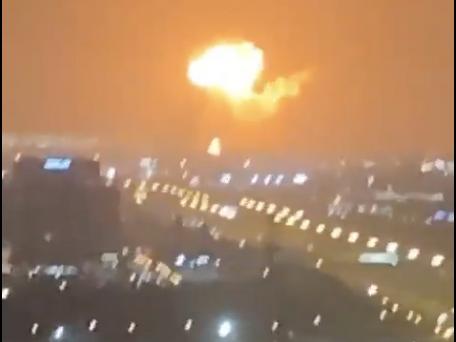 Dubaï : incendie sur le port après une violente explosion
