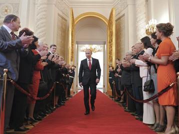 Russie : Poutine signe une loi l'autorisant à faire deux mandats de plus jusqu'en 2036