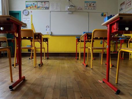 Ecole : plus de 900 classes fermées, un nombre en forte hausse