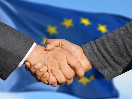 Climat : l'UE souhaite réduire ses émissions carbone d'au moins 55% d'ici à 2030