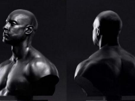 Booba : 10 sculptures de son buste à vendre