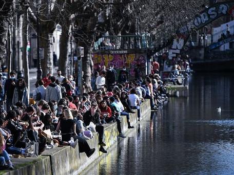 Les rassemblements publics de plus de six personnes interdits partout en France