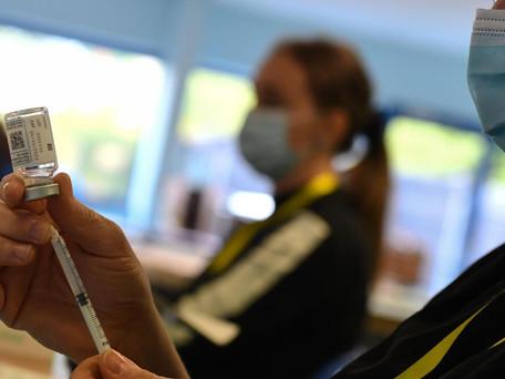 Ruée sur la vaccination: « On n'a pas le choix pour continuer à vivre »