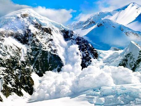 Alpes : deux avalanches provoquent la mort de sept randonneurs