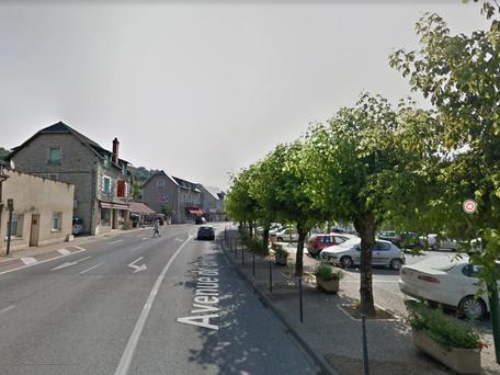 Dordogne: Lardin-Saint-Lazare la population doit rester chez elle, un homme armé circule dans la rue