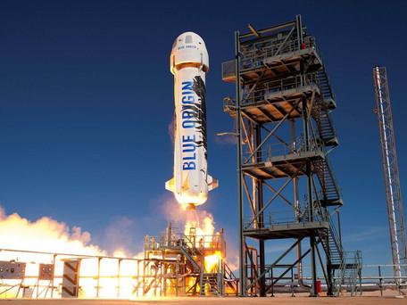 Tourisme spatial : Jeff Bezos, créateur d'Amazon devenu astronaute avec trois autres passagers