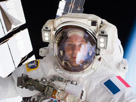 ISS : Thomas Pesquet est-il a l'origine des messages depuis l'espace sur les réseaux sociaux ?
