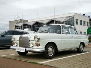 """Průkopník třídy E - Mercedes-Benz W110 """"Heckflosse"""""""