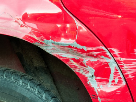 Condomínio não é responsável por carro danificado pelo portão da garagem