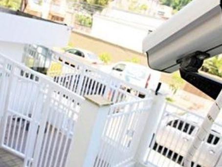 Por negligência na segurança, condomínio deve indenizar moradores assaltados