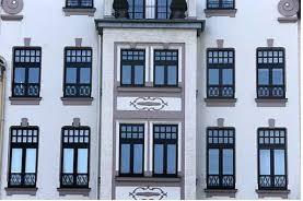 O que caracteriza alteração de fachada em condomínio
