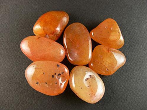 La cornaline, une calcédoine orange