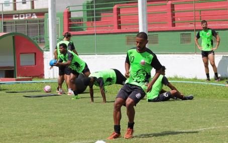 São Paulo treina para enfrentar o São José