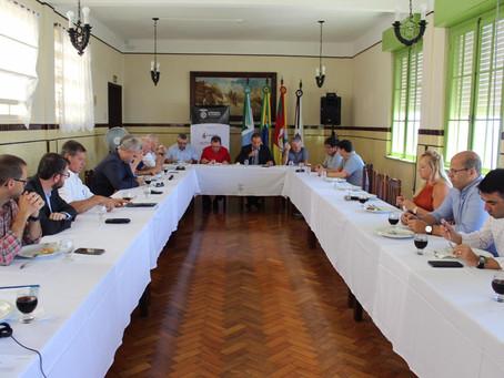 Câmara de Comércio realiza reunião de Diretoria