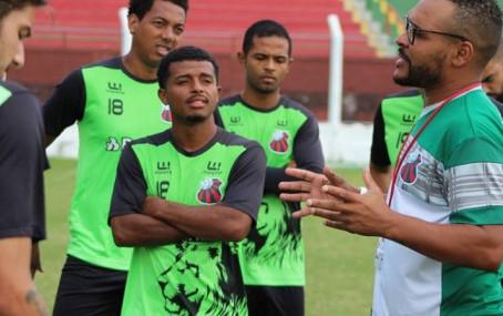Claiton dos Santos não é mais o técnico do São Paulo