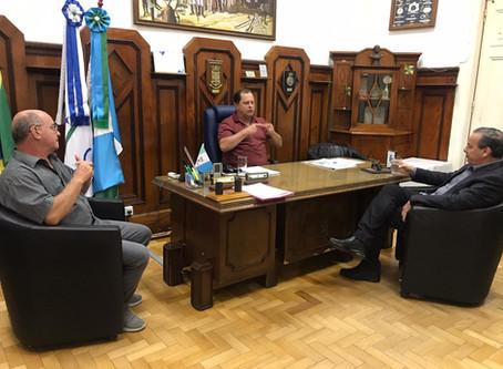 Bacchieri realiza visita a Câmara de Vereadores