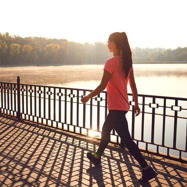 歩き方で簡単にお尻が引き締まる。簡単チェックを添えて。