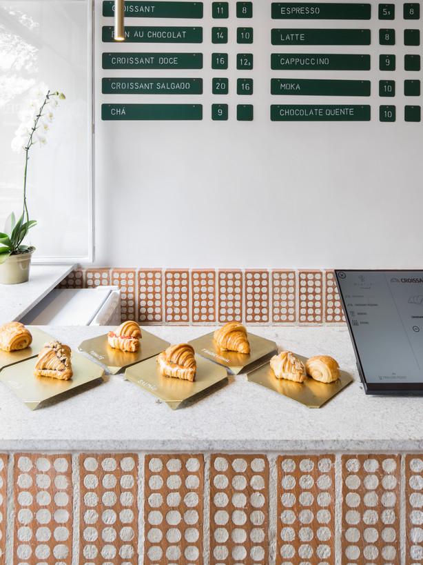 Mintchi Croissant