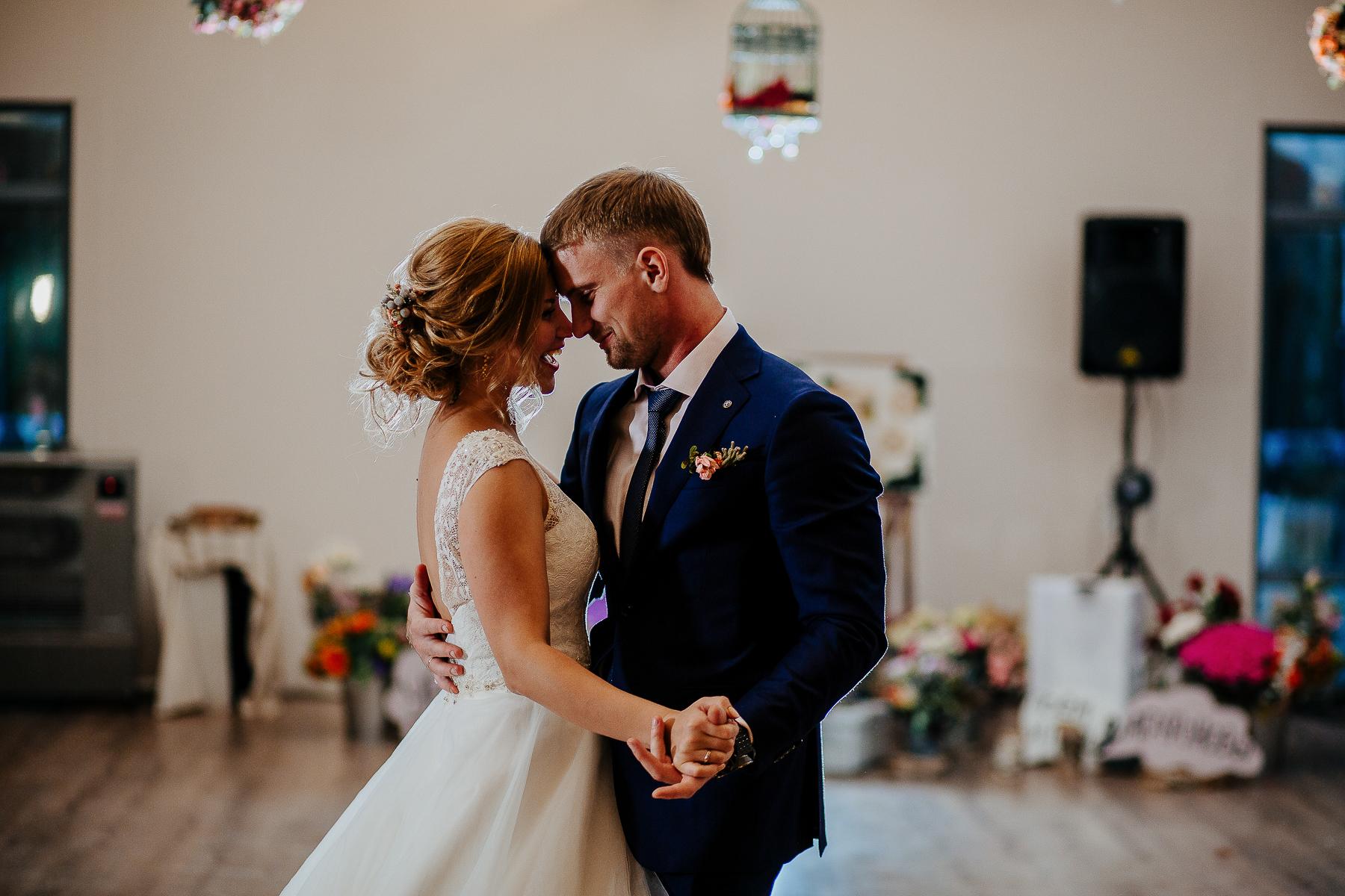 считается нанять фотографа на свадьбу в спб когда