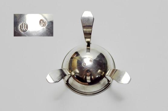 danish art nouveau funkis sterling silver tea strainer drip bowl stand tesi sølv seashells beach strand antique skønvirke