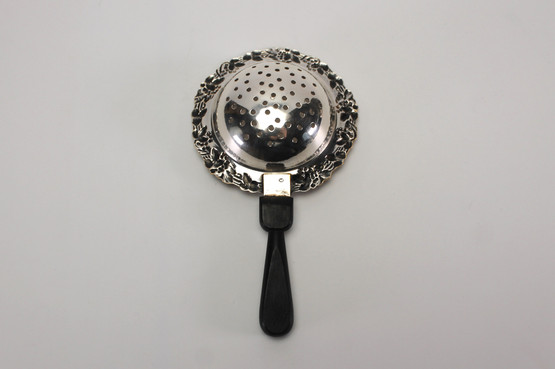 danish silverplated tea strainer wooden handle grapevine leaf wreath motif 1900s accessory Holger Fredericias seagull bird