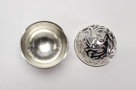 black starr frost sterling silver thread box holder globe ball reticulated design antique american footed charles picksley
