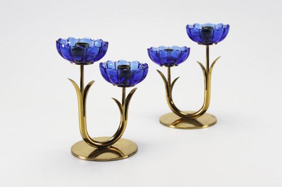swedish mid-century modern design brass candleholder set with blue glass bobeche flower shape gunnar ander ystad metall pair