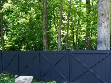 A Fence Contractor Suggests These 5 Materials for a Fence in the Mountain Lakes, NJ Area