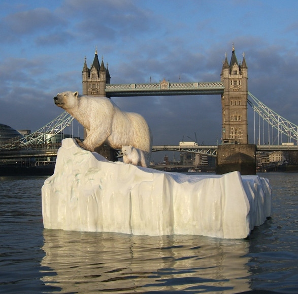 UKTV Eden Channel, Polar Bear on The River Thames