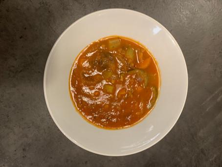 Minestrone o sopa de tomate con noodles de calabacín (para los que no se enteran como yo )