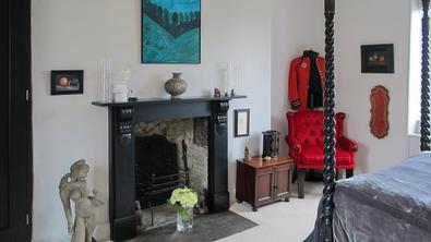 Interior designer Bath