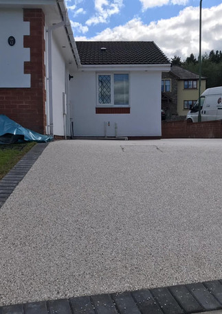 Drive at complete Bryn Meadow Close Tred