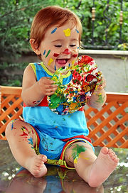 enfant peinture.jpg