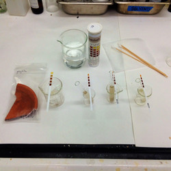 Microchemical material spot tests