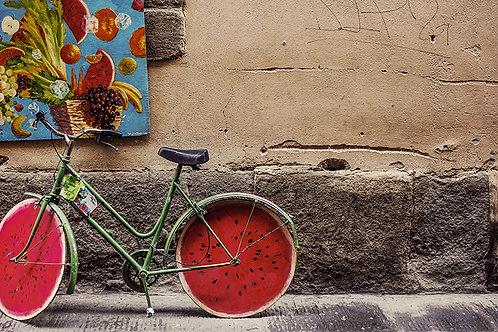 Bicicleta con ruedas de sandia