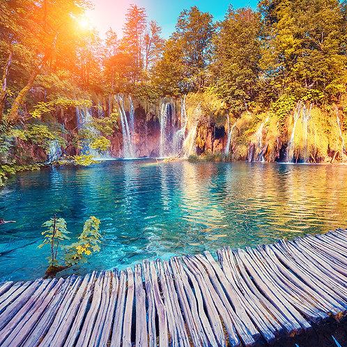 Laguna y cataratas de fantasía