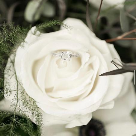 CHOOSING YOUR WEDDING FLOWER