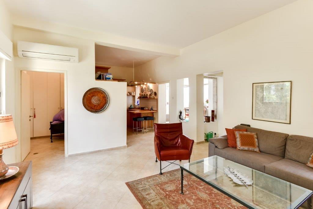HaPalmach  - at home in jerusalem (10)