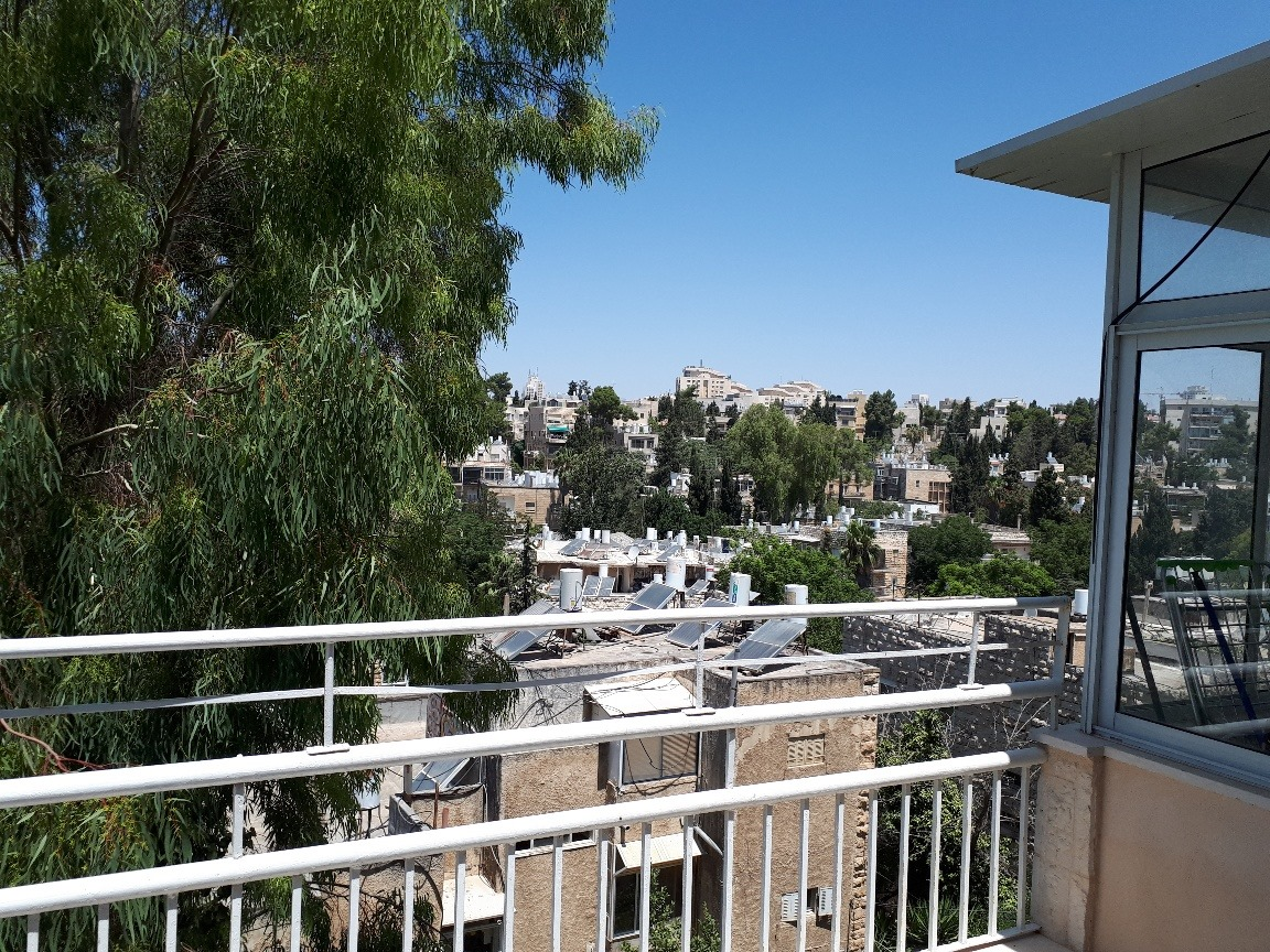 Kharlap - at home in jerusalem (8)