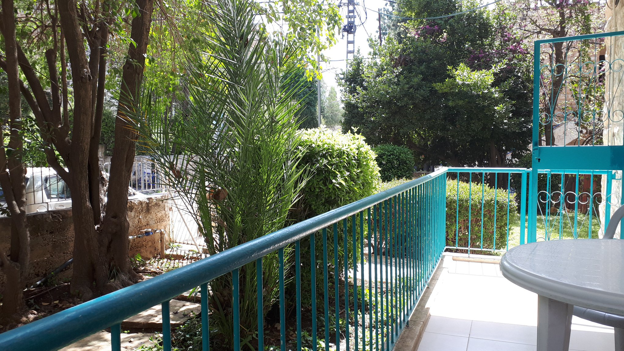 Kharlap - at home in jerusalem (7)