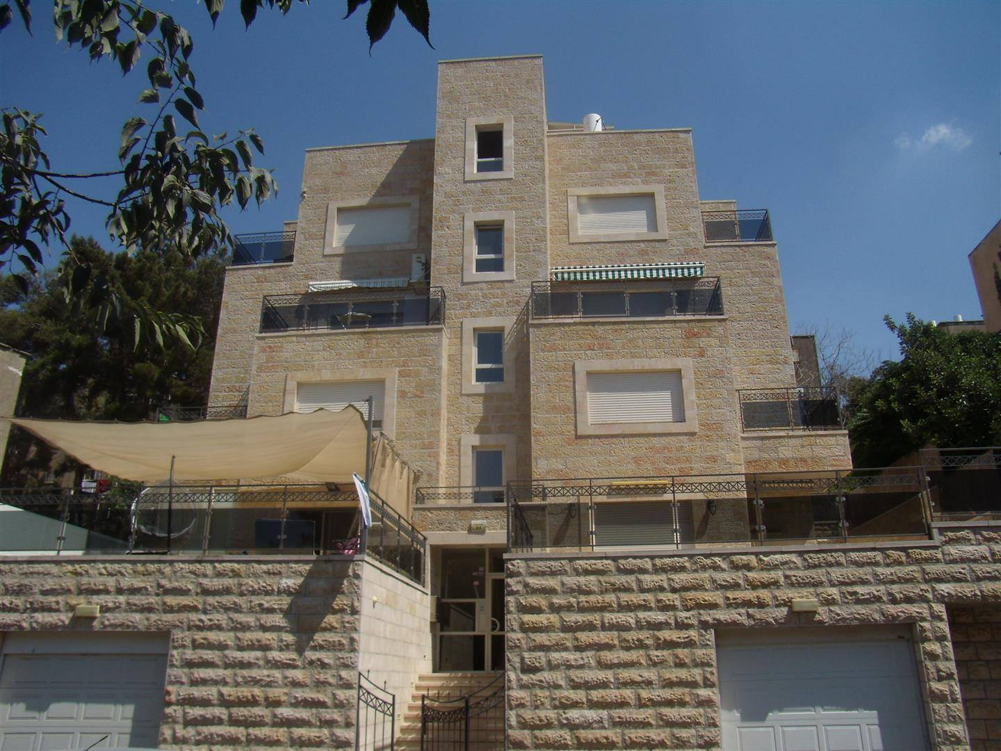 Shimoni - at home in jerusalem (11)