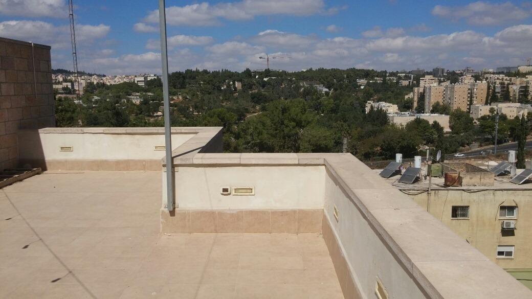 Shimoni - at home in jerusalem (13)