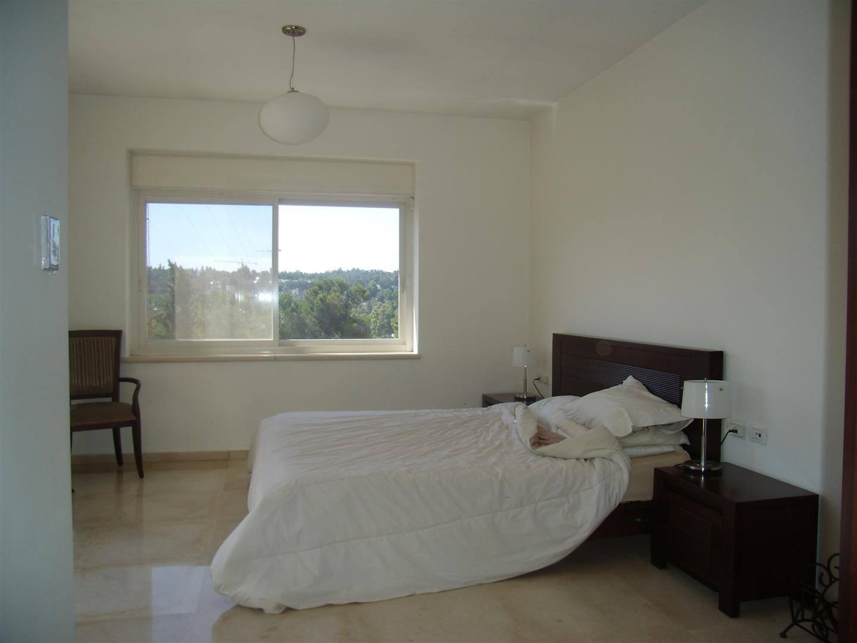 Shimoni - at home in jerusalem (6)