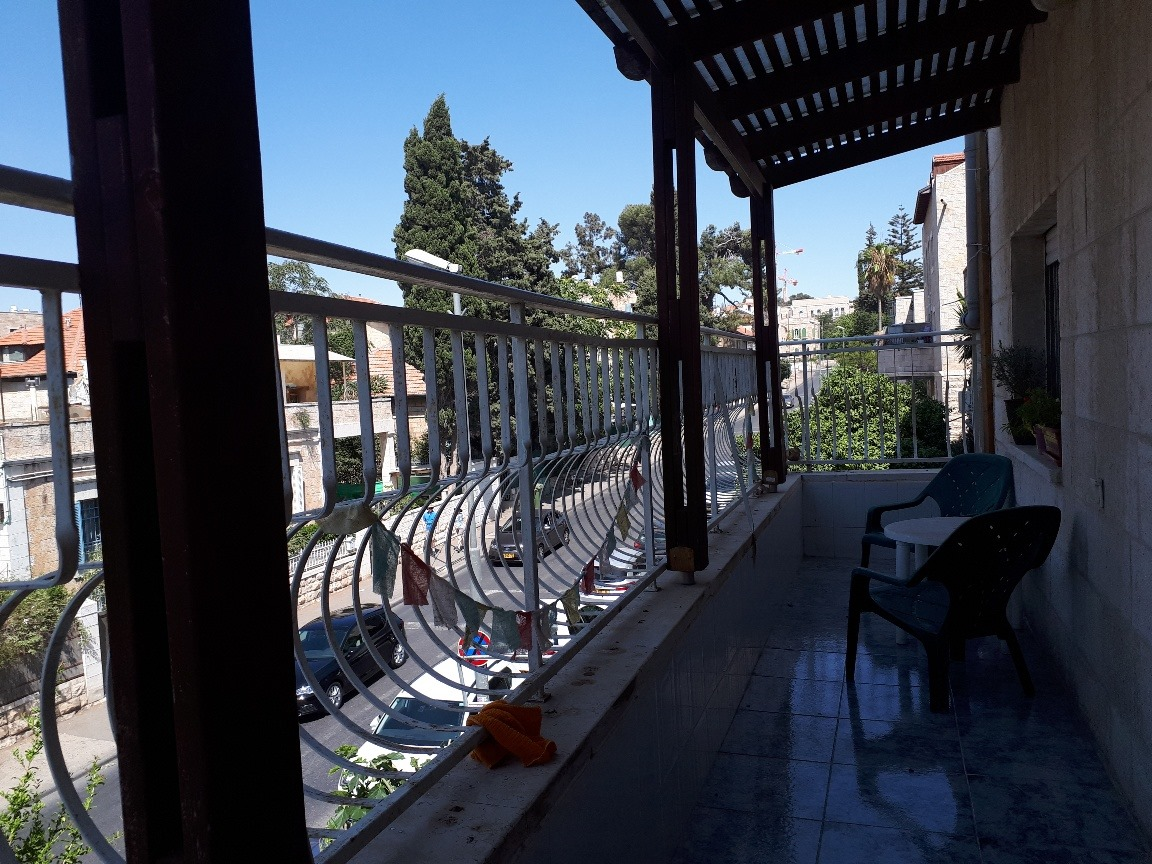 Yehuda - at home in jerusalem (7)