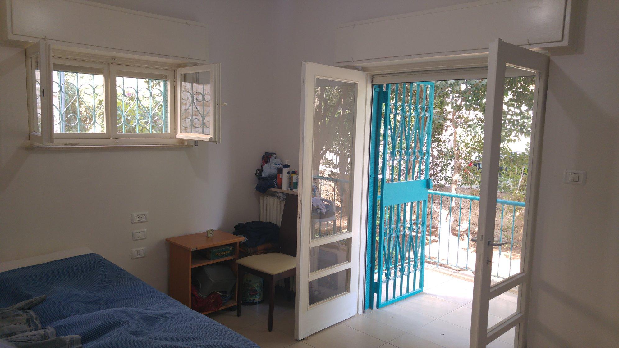 Kharlap - at home in jerusalem (3)