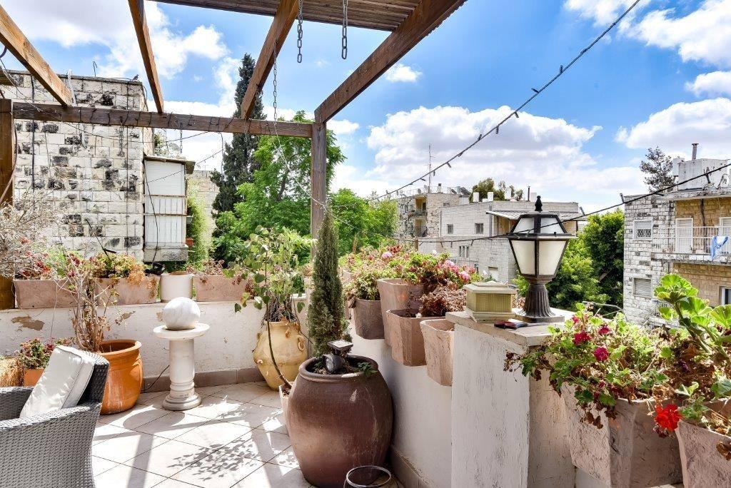 HaPalmach  - at home in jerusalem (6)