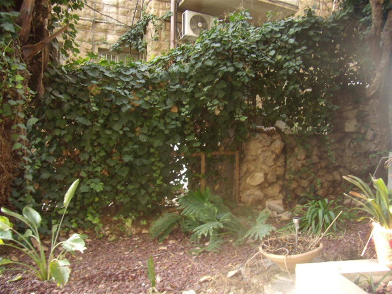 Ben Labrat - At home in jerusalem (8)