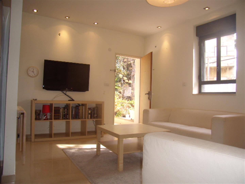 Ben Labrat - At home in jerusalem (12)