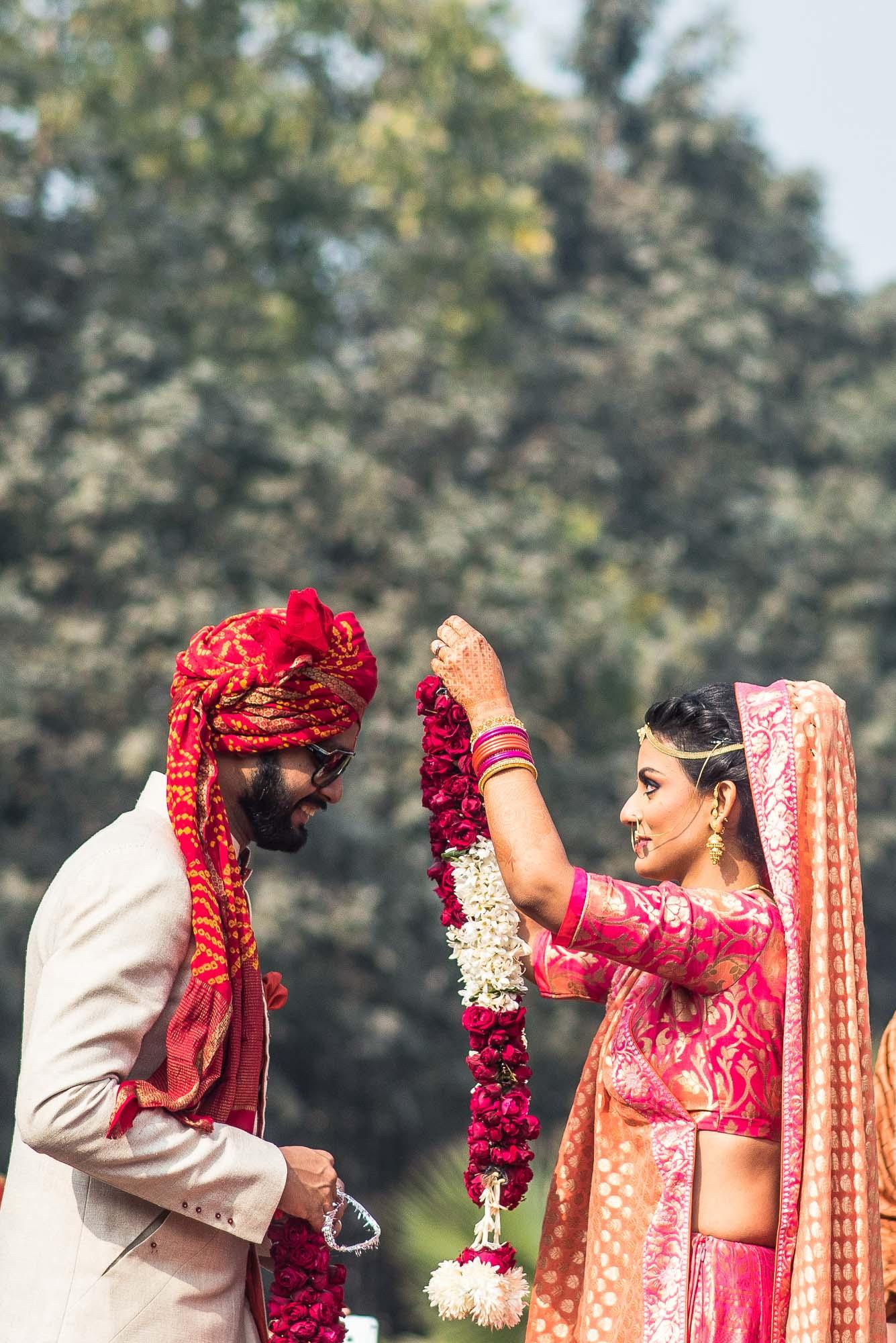 tying knots in delhi