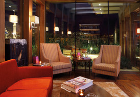 1210x840_cigar-lounge---night-mood.jpg